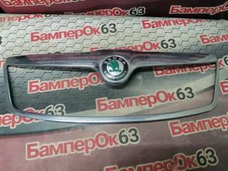 Запчасть накладка решетки радиатора Skoda Octavia 2004