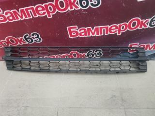 Запчасть решетка в бампер Skoda Rapid 2012