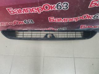 Запчасть решетка в бампер передняя Toyota RAV4 2013