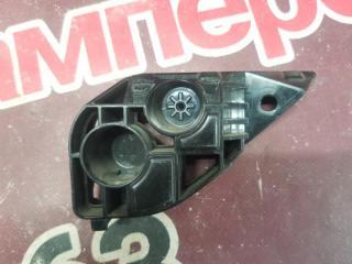 Запчасть кронштейн двери багажника задний правый Toyota Rav4 2013