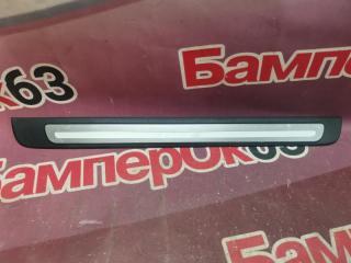 Запчасть накладка на порог передняя правая Audi A4 2007