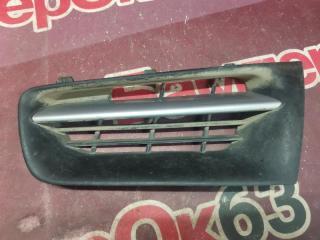 Запчасть решетка радиатора передняя левая Renault Megane 2002