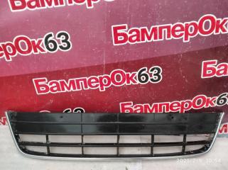 Запчасть решетка в бампер Volkswagen Tiguan 2007