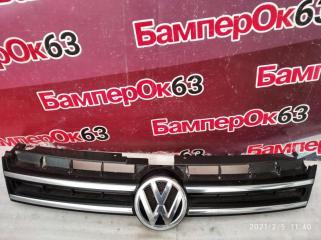 Запчасть решетка радиатора Volkswagen Touareg 2010