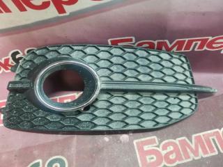 Запчасть накладка птф передняя правая Audi Q3 2011