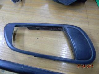 Запчасть накладка ручки внутренней задняя правая Subaru Legacy Outback 2005