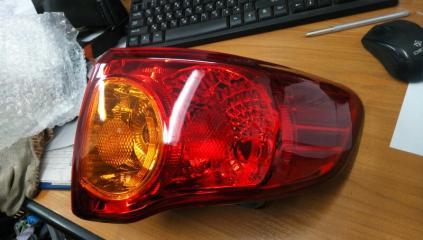 Запчасть фонарь правый Toyota Corolla 2007-