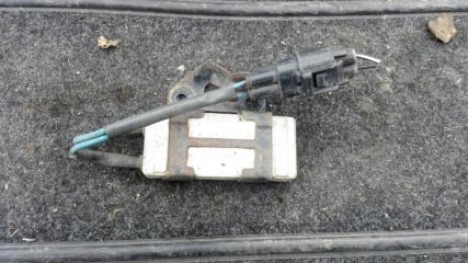 Блок управления вентилятором Toyota Avensis 2 2007