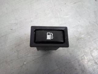 Запчасть кнопка открывания лючка бензобака Toyota Avensis 2 2007