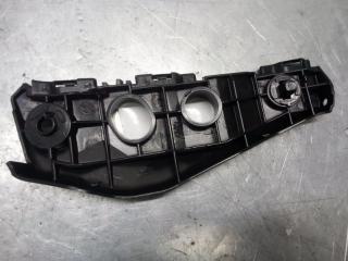 Запчасть крепление бампера переднее правое Toyota Corolla 2006-2013