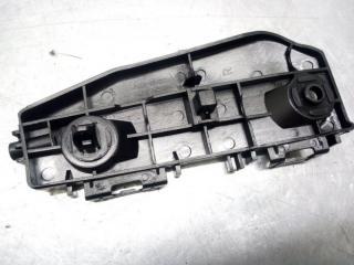 Запчасть кронштейн бампера передний правый Toyota Land Cruiser 200 2012-1015