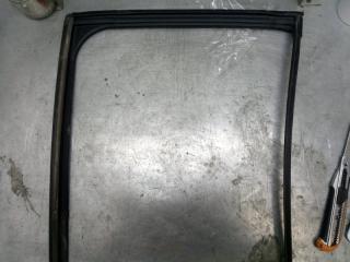 Запчасть уплотнитель стекла задний левый Mazda CX-5 2011-2017