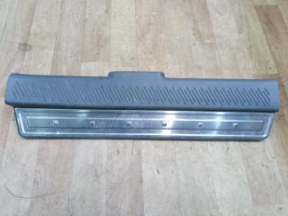 Запчасть накладка порога передняя правая Hyundai Santa Fe 2001
