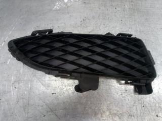 Запчасть решетка в бампер правая Mazda Mazda 3