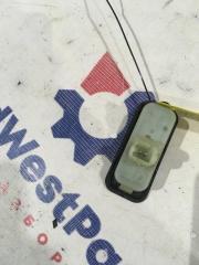 Запчасть кнопка открывания багажника Renault Megane III 2009>