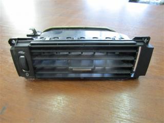 Запчасть дефлектор передний правый Volvo V70 2009
