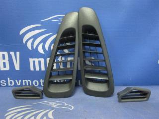 Запчасть решетка воздуховода Mercedes-Benz Vito 2005