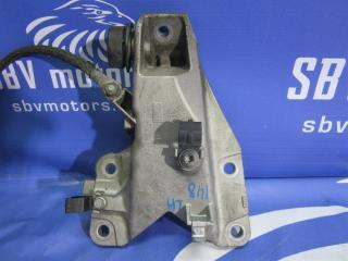 Запчасть кронштейн подушки двигателя левый BMW 1-series 2008