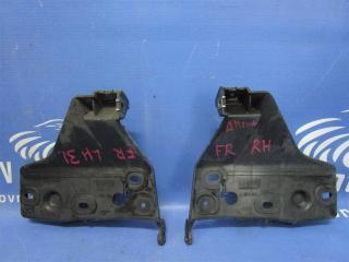 Запчасть крепление бампера переднее правое Audi Allroad 1999