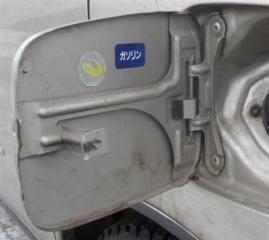 Запчасть лючок бензобака Daihatsu Storia 1998