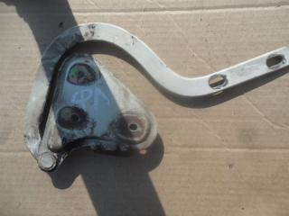 Запчасть петля крышки багажника задняя левая Skoda Felicia 1998