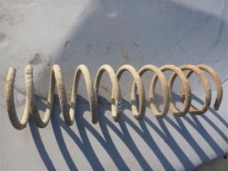 Запчасть пружина задняя ВАЗ 2106 2002