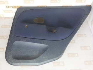 Запчасть обшивка двери задняя правая Mitsubishi Carisma 1999