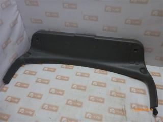 Запчасть обшивка крышки багажника Mazda 626 1994