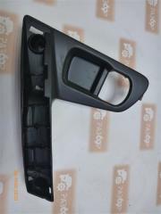 Запчасть накладка двери передняя правая Nissan Qashqai+2 2010