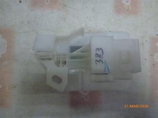 Запчасть кронштейн Toyota Camry 2012
