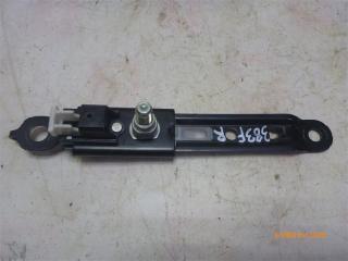 Запчасть механизм регулировки ремня безопасности передний правый Toyota Camry 2012