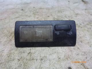 Запчасть плафон салонный Volkswagen Passat 1991