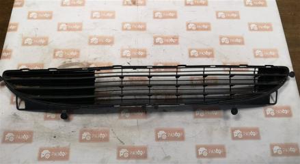 Запчасть решетка бампера передняя Peugeot 307