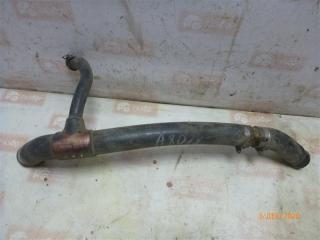 Запчасть патрубок системы охлаждения Audi 80 1990