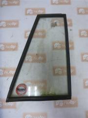 Запчасть стекло двери заднее правое ВАЗ 2104 2000