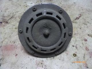Запчасть сигнал звуковой Volkswagen Passat 1990