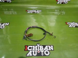 Тросик ручника правый NISSAN MURANO