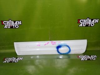 Запчасть накладка на дверь передняя левая MITSUBISHI PAJERO 2001