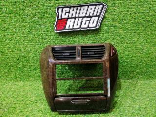Запчасть консоль магнитофона MITSUBISHI CHARIOT GRANDIS