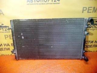 Запчасть радиатор охлажения двигателя Audi A3 2009-2018