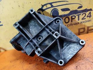 Запчасть кронштейн генератора Volkswagen Passat 1996-2000