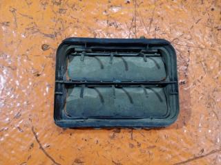 Запчасть решетка вентиляционная задняя левая Renault Sandero 1 2008-2014