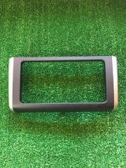 Запчасть рамка магнитофона передняя TOYOTA WISH 2009