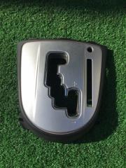 Рамка рычага переключателя автомата Mitsubishi Outlander 2007