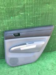 Обшивка дверей задняя правая Toyota Prius 2009