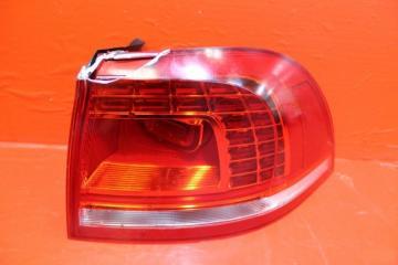 Запчасть фонарь наружний задний правый Volkswagen Touareg 2014-2018