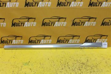 Запчасть накладка двери передняя правая Cadillac Escalade 2014-2020