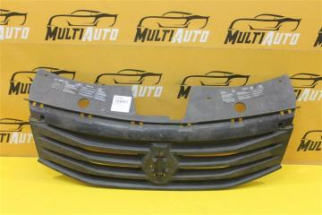 Запчасть решетка радиатора Renault Sandero 2009-2014