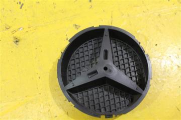 Запчасть эмблема решетки радиатора передняя Mercedes ML 2011-2015