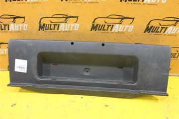 Запчасть накладка багажника задняя Skoda Octavia 2013-2017